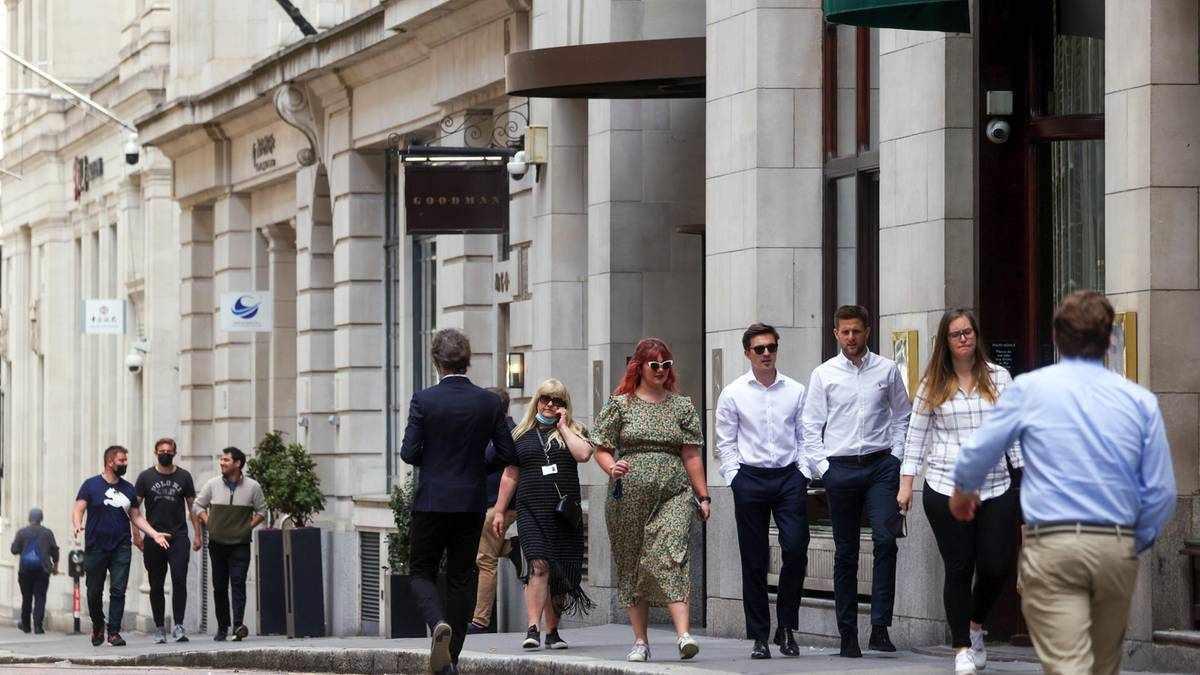 UK april economy growth lockdown