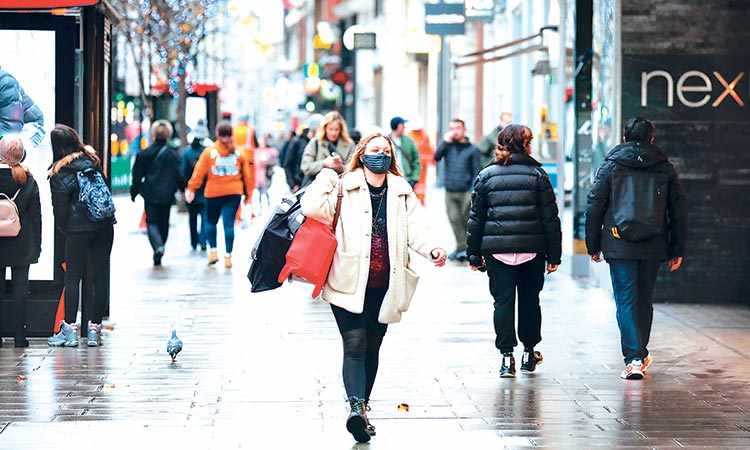 UK shopper numbers cent footfall