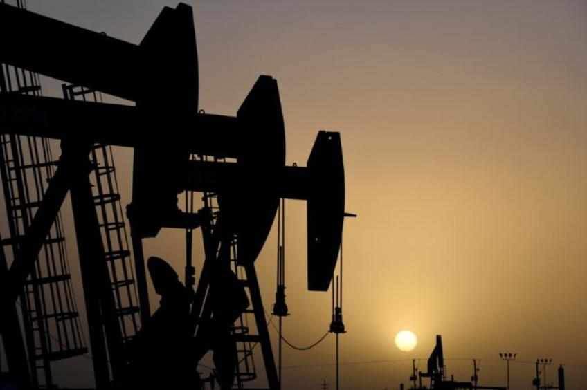US cent inventories oil both