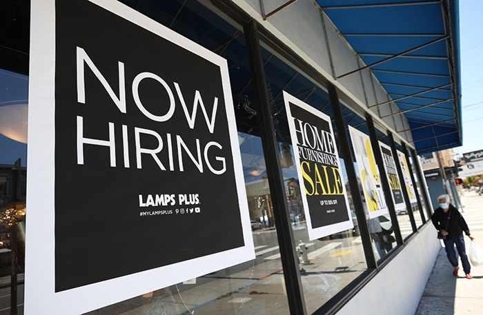 US unemployment benefit claims jump