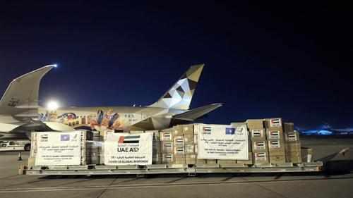 aid emirates crescent plane loads