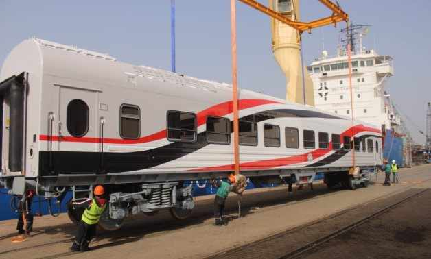 alexandria vehicles train port arrive
