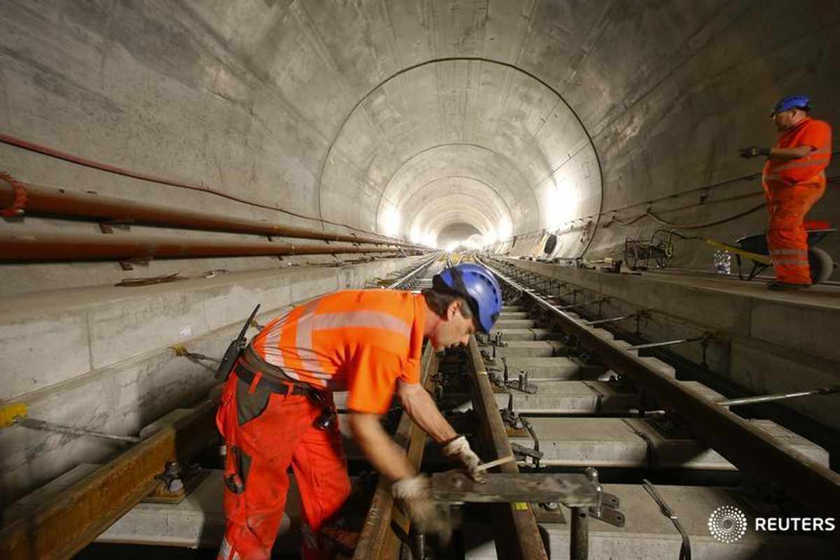 bahrain companies projects metro extension