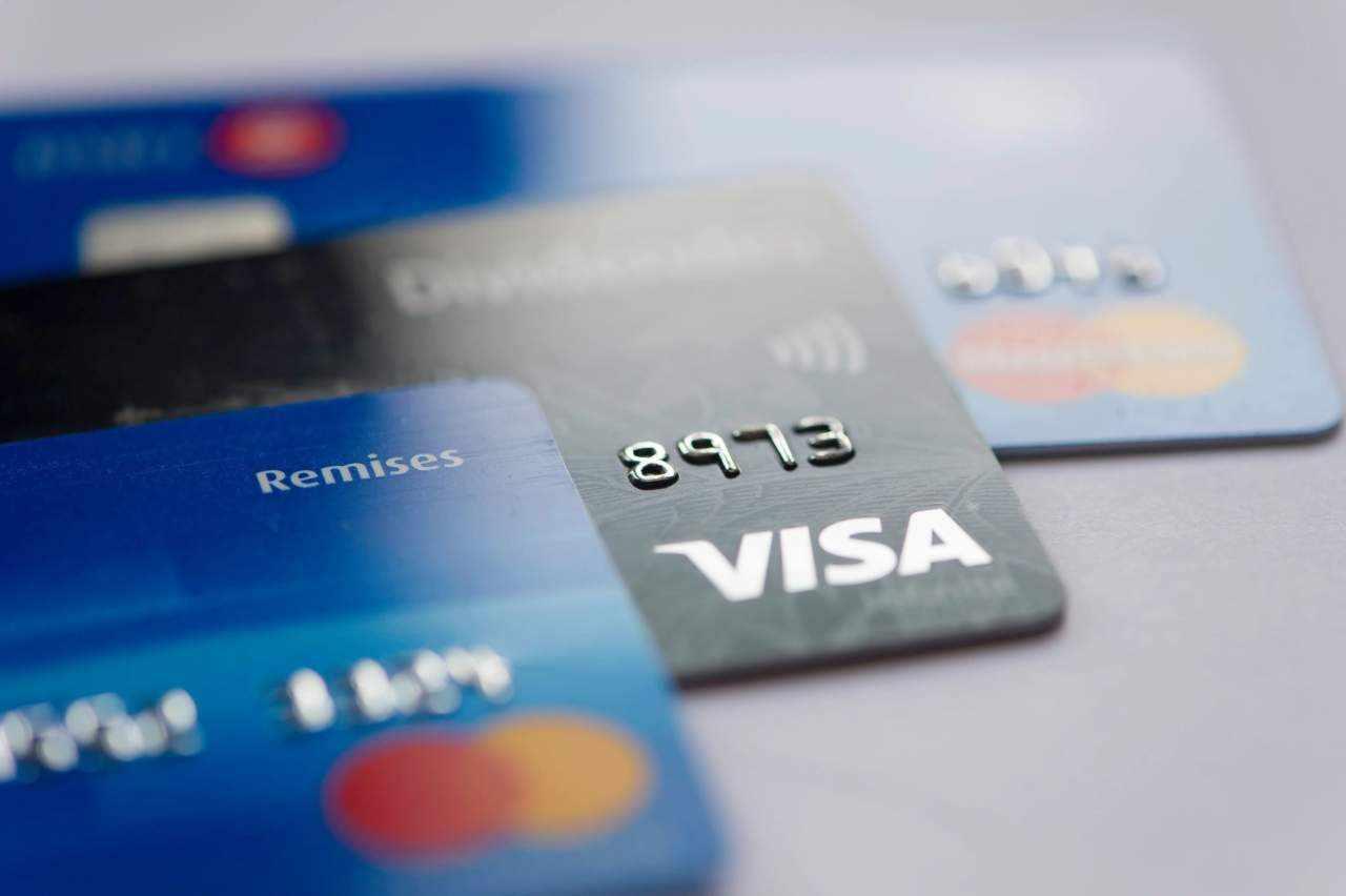 bahrain credit fee cards card