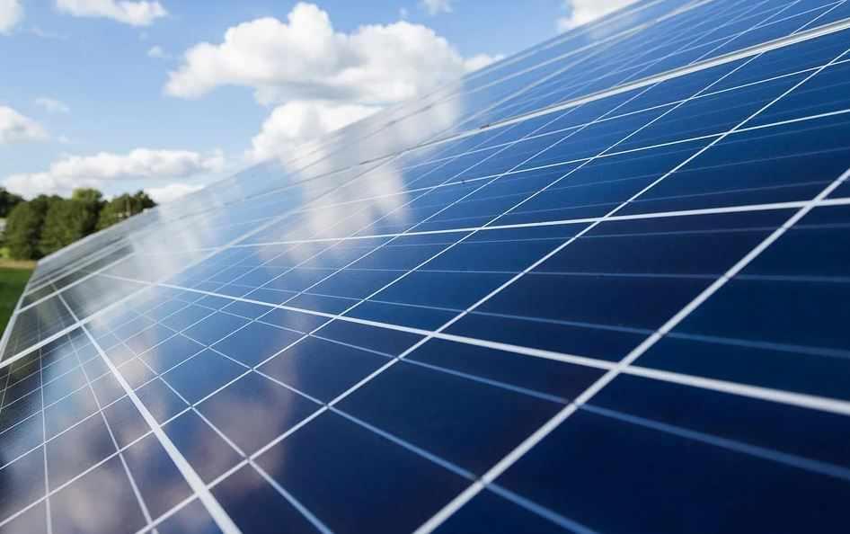 bahrain majid futtaim solar door