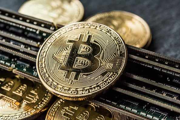 bitcoin breaks enthusiasts digital hot