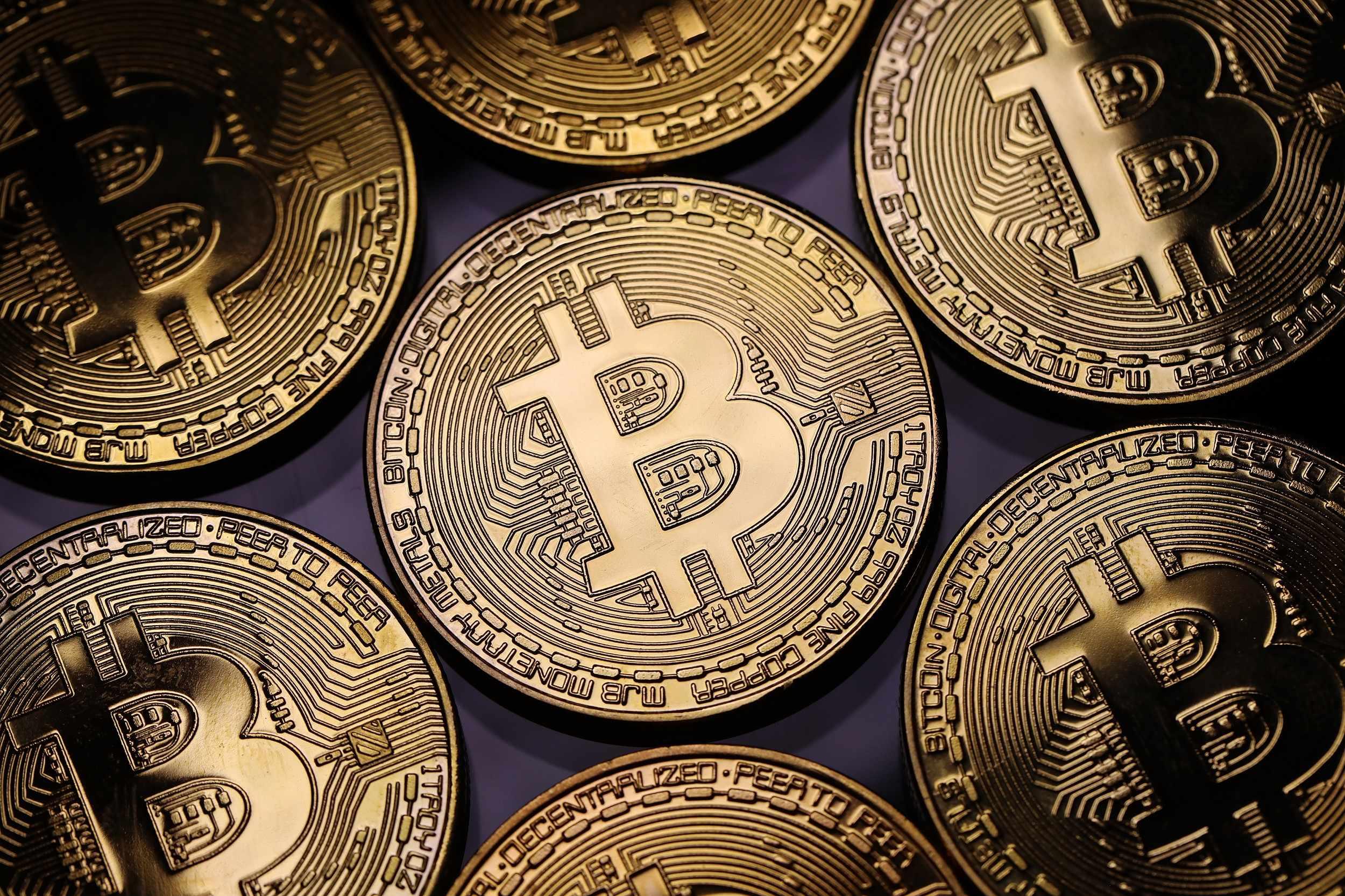 bitcoin dive cryptocurrencies market percent