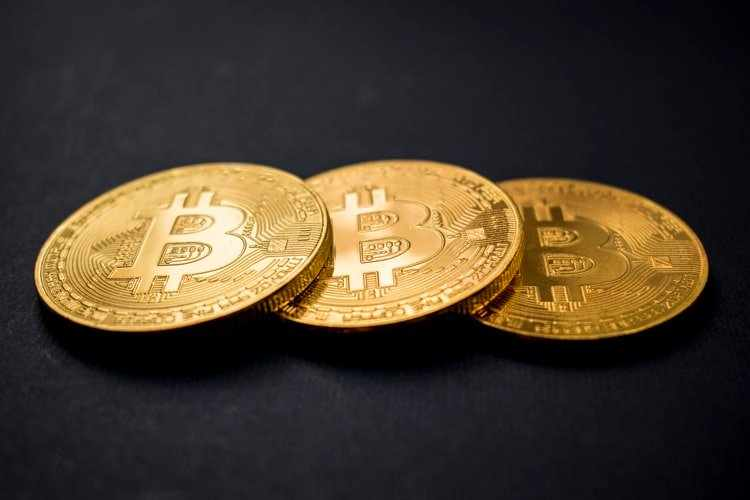 bitcoin, ether, mid, sentiment, warms,