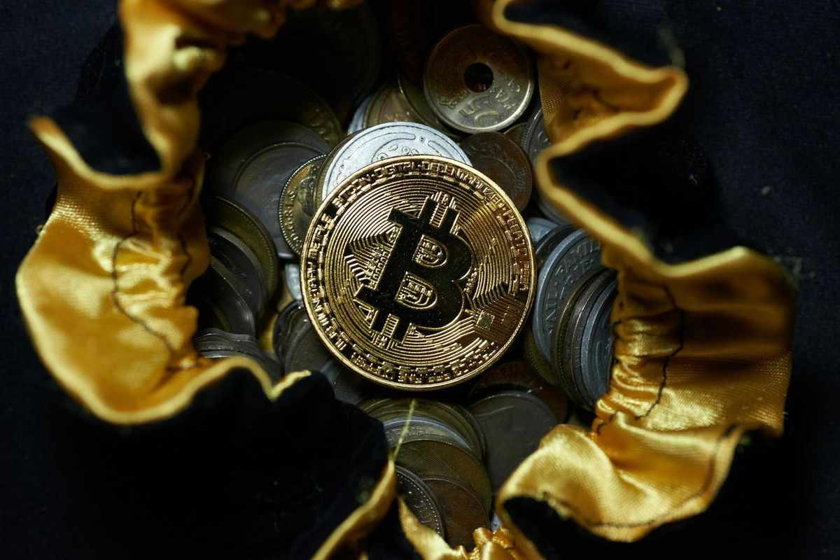 bitcoin investors bubble huge