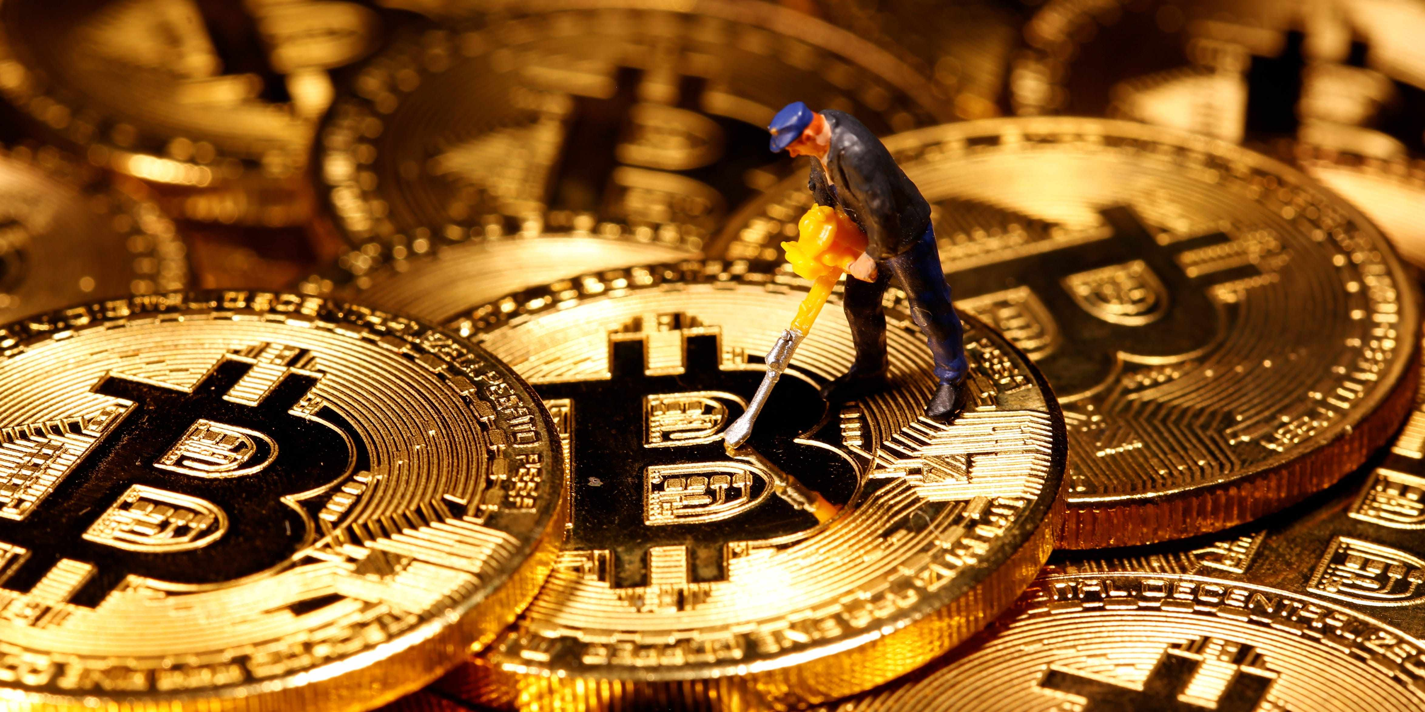 bitcoin mining equipment cryptocurrency maker