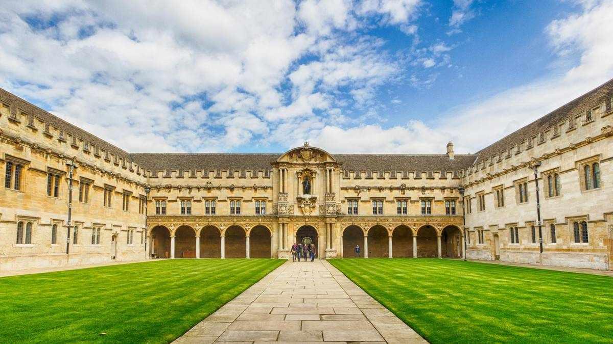 cambridge bursaries disadvantaged students college
