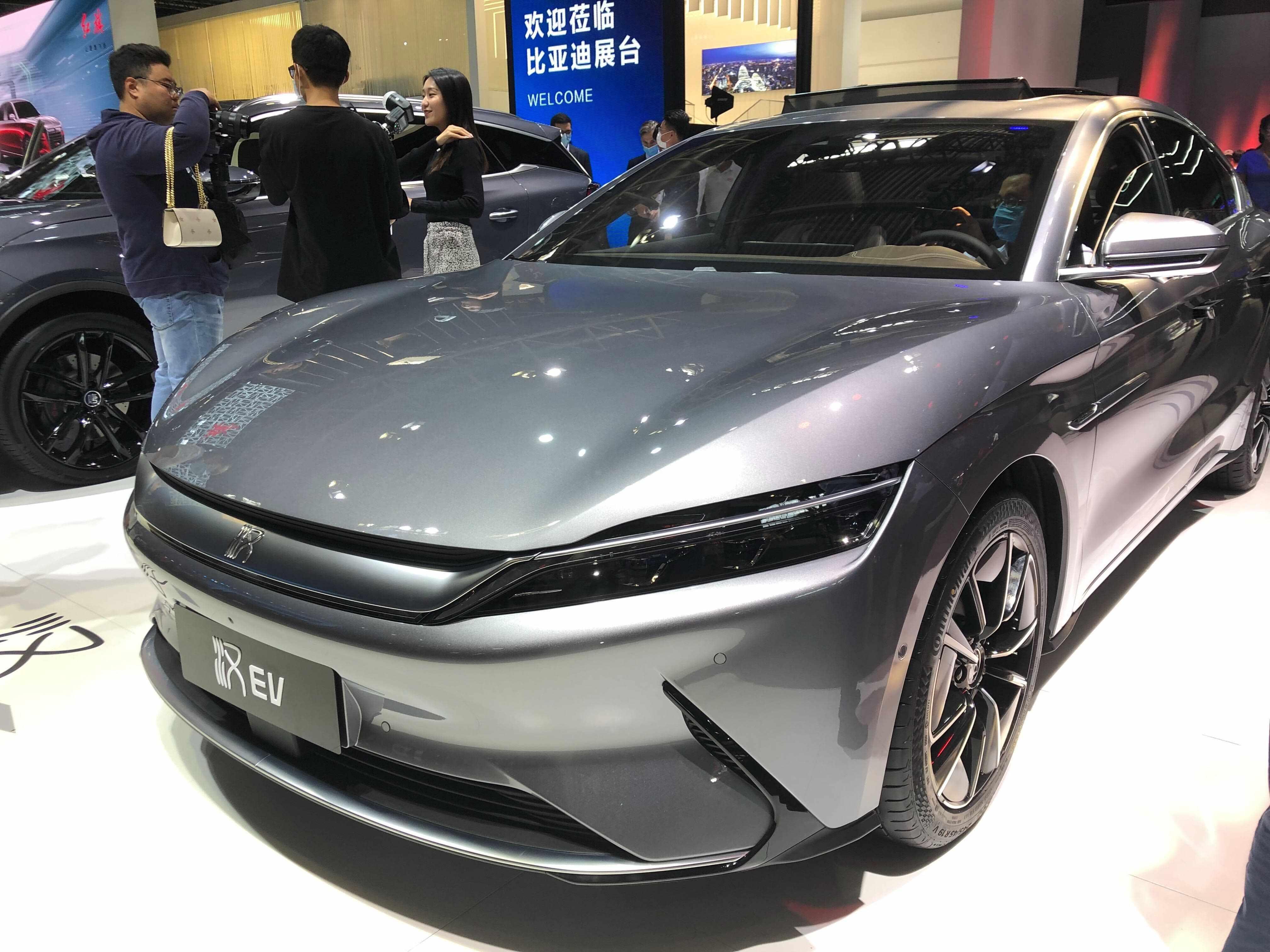 cars electric march nio warren