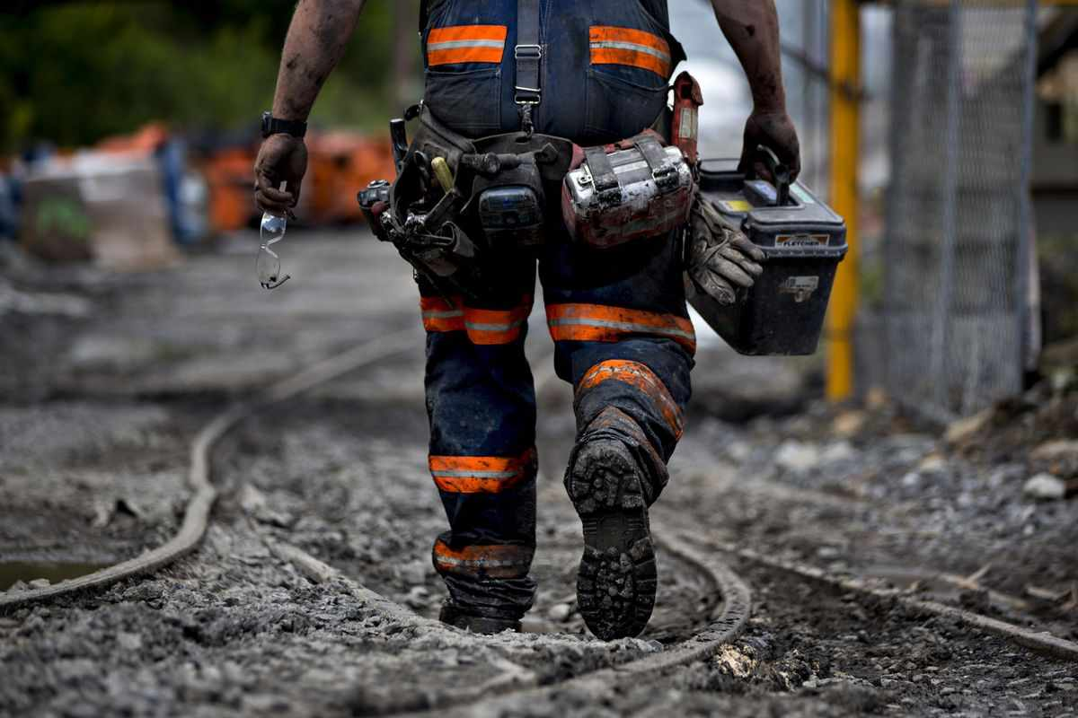 coal miners trying