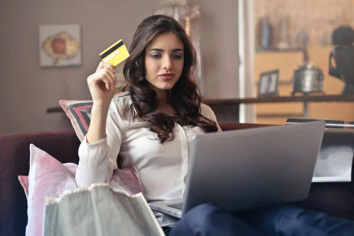 commerce, percent, online, consumers, menap,