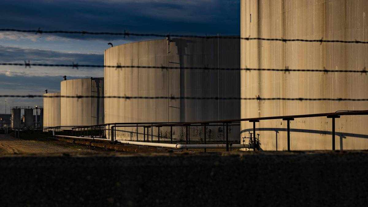 crude prices barrel western economies