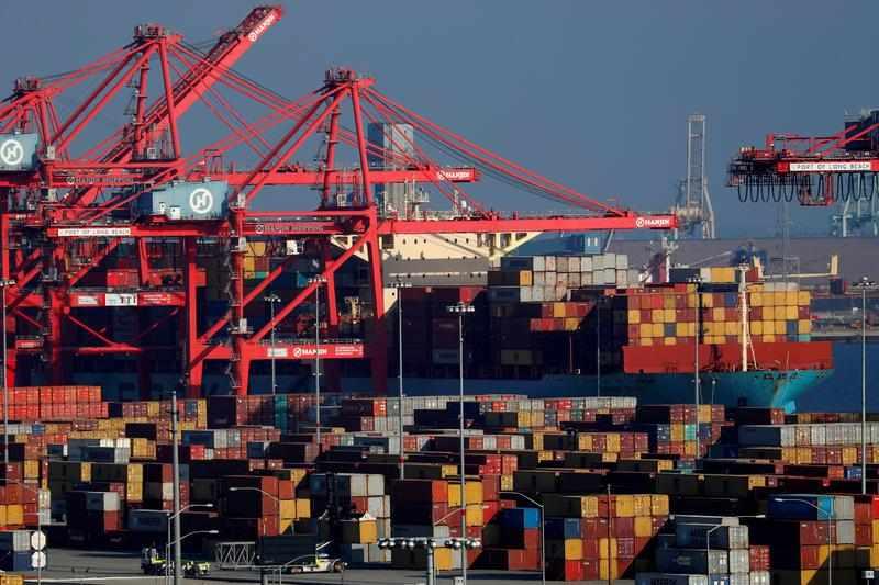 deficit trade record economy reuters