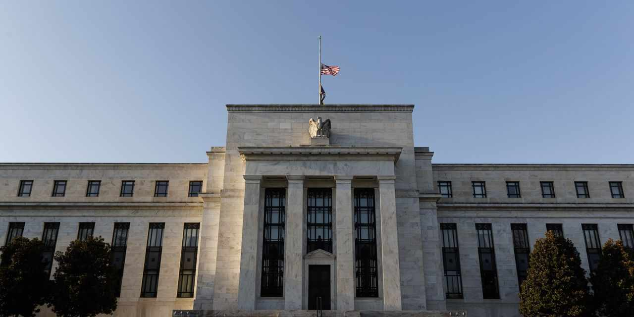 dollar banks reserves holdings