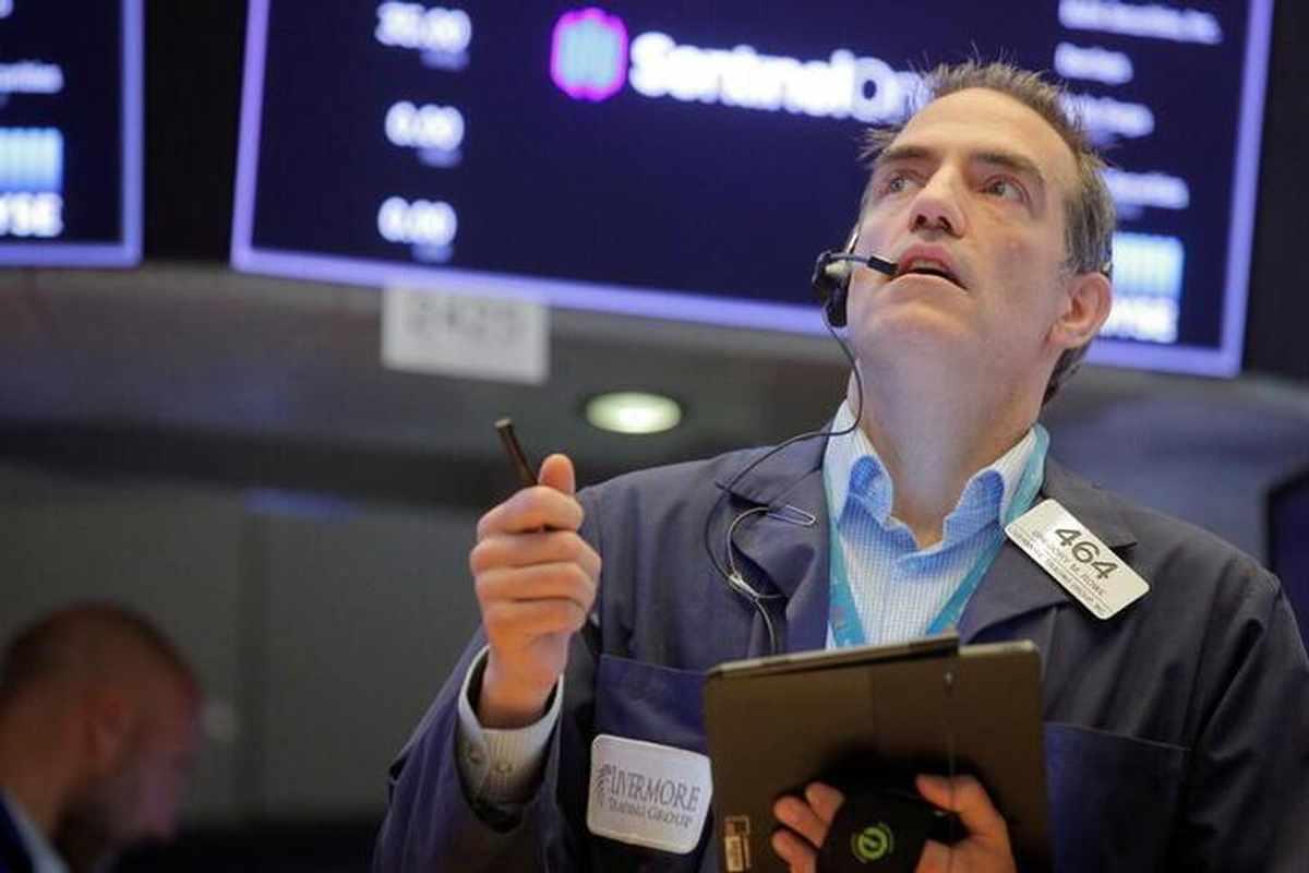 dollar outlook stock markets foot