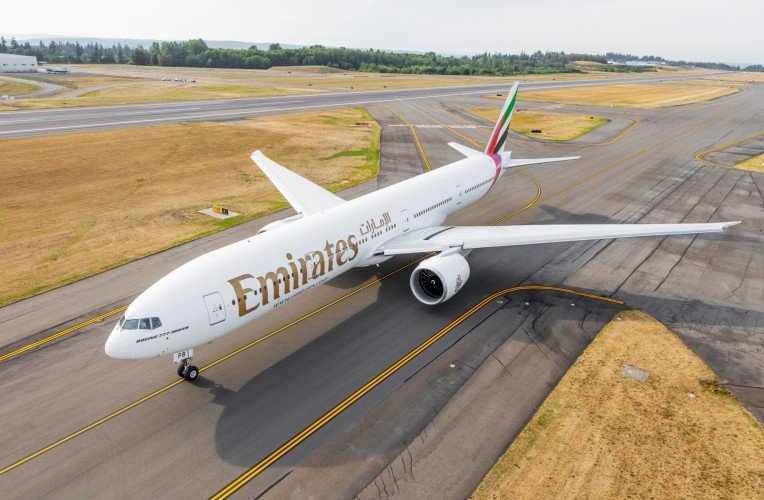 dubai emirates flights pakistan passenger