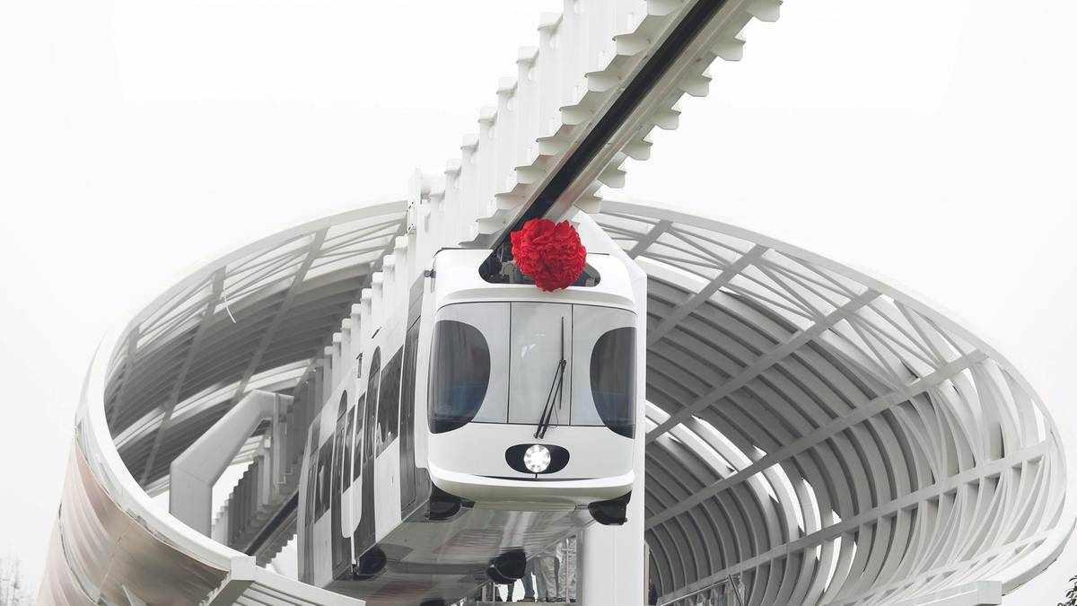 dubai futuristic sky company rail