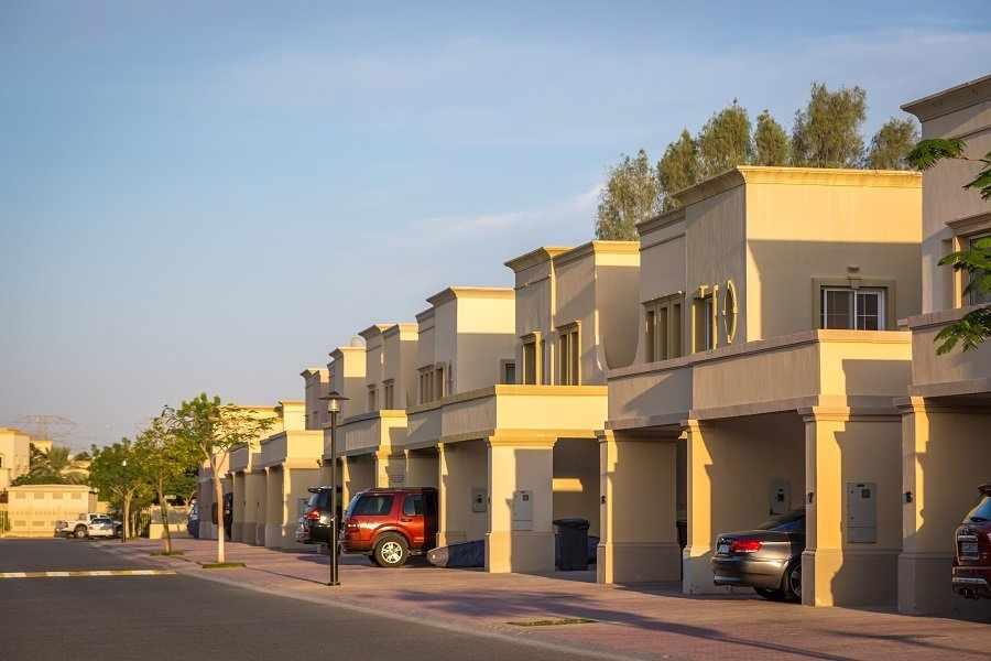 dubai house prices running