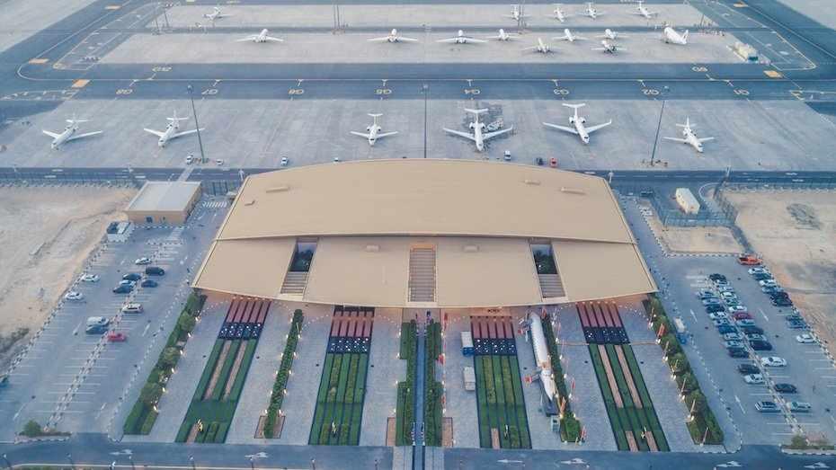 dubai movements private jet south
