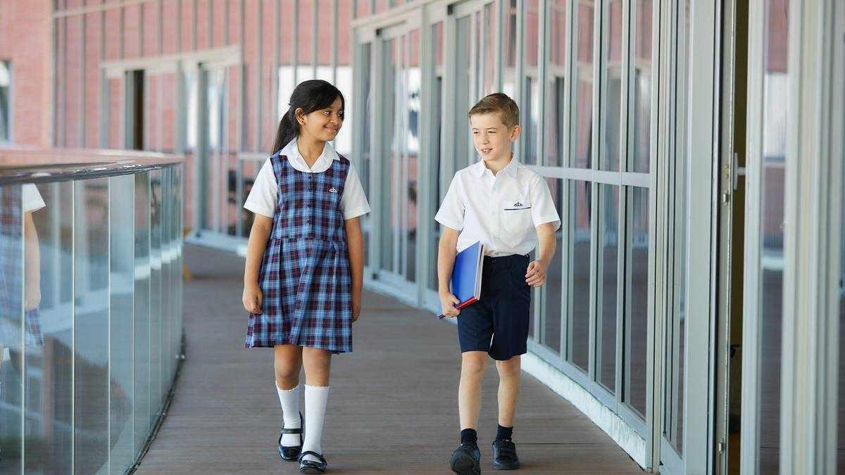 dubai schools private guide fees