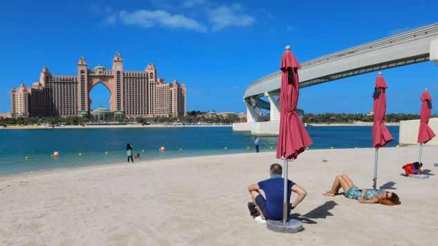 dubai tourists letting egypt appeared