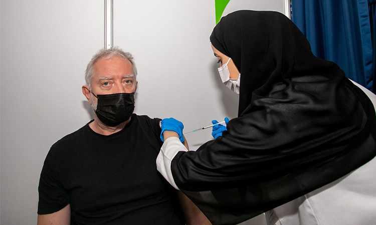 dubai vaccine astrazeneca covid residents
