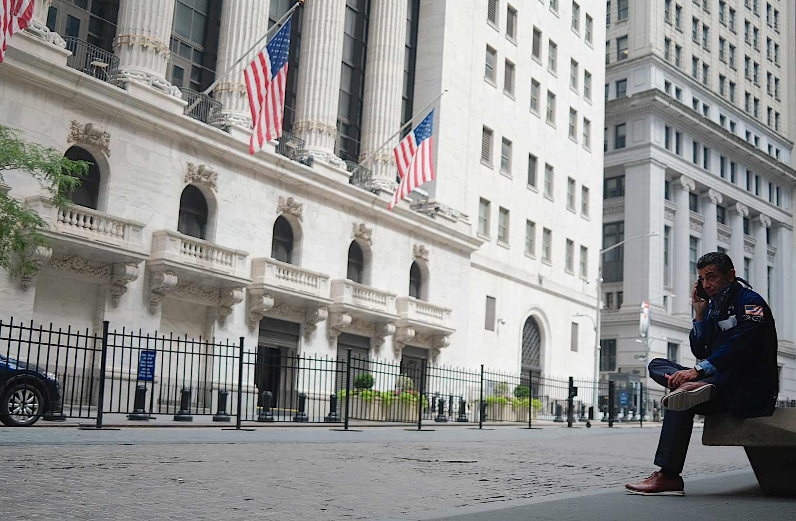 earnings stock futures drift packed