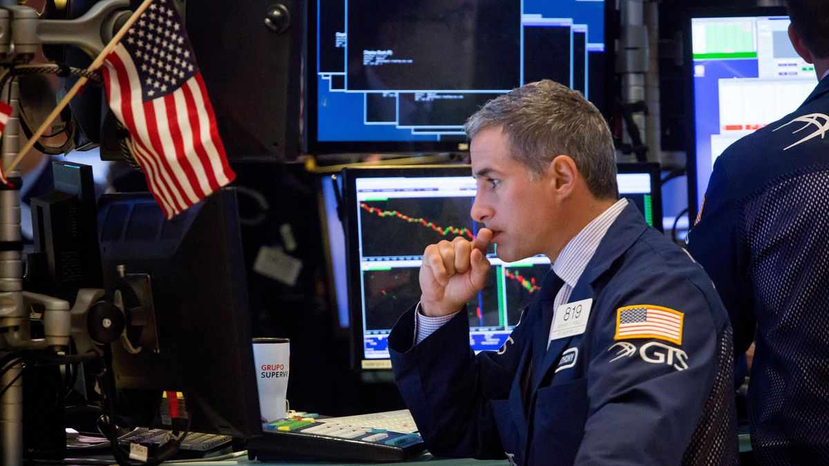 earnings stocks flat highs economic