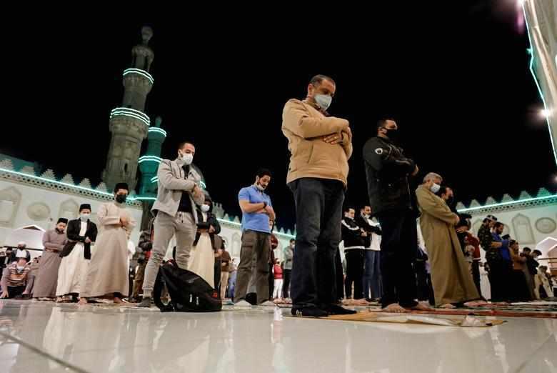 egypt prayers religious endowments night