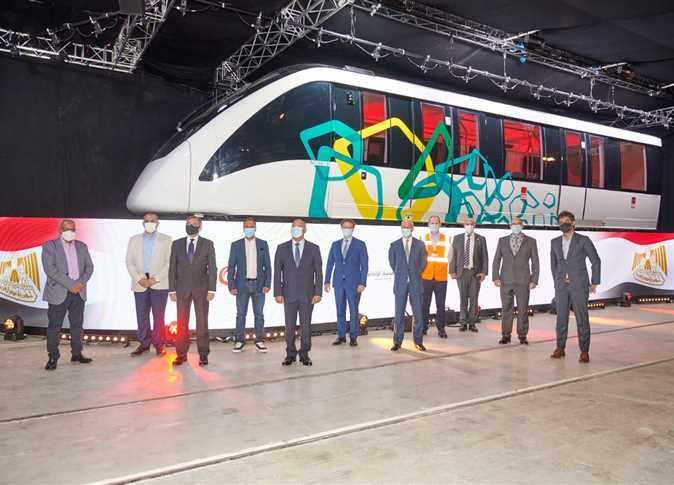 egypt vehicles monorail train receives