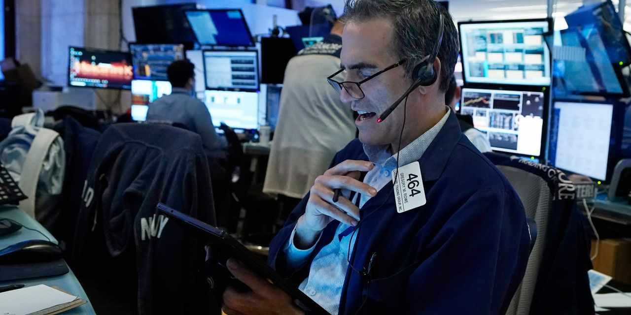 futures, stock, gains, creep, oil,