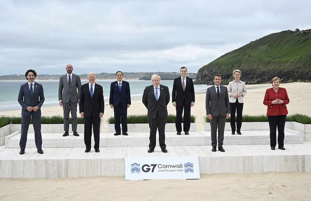g7 leaders shots world vaccine