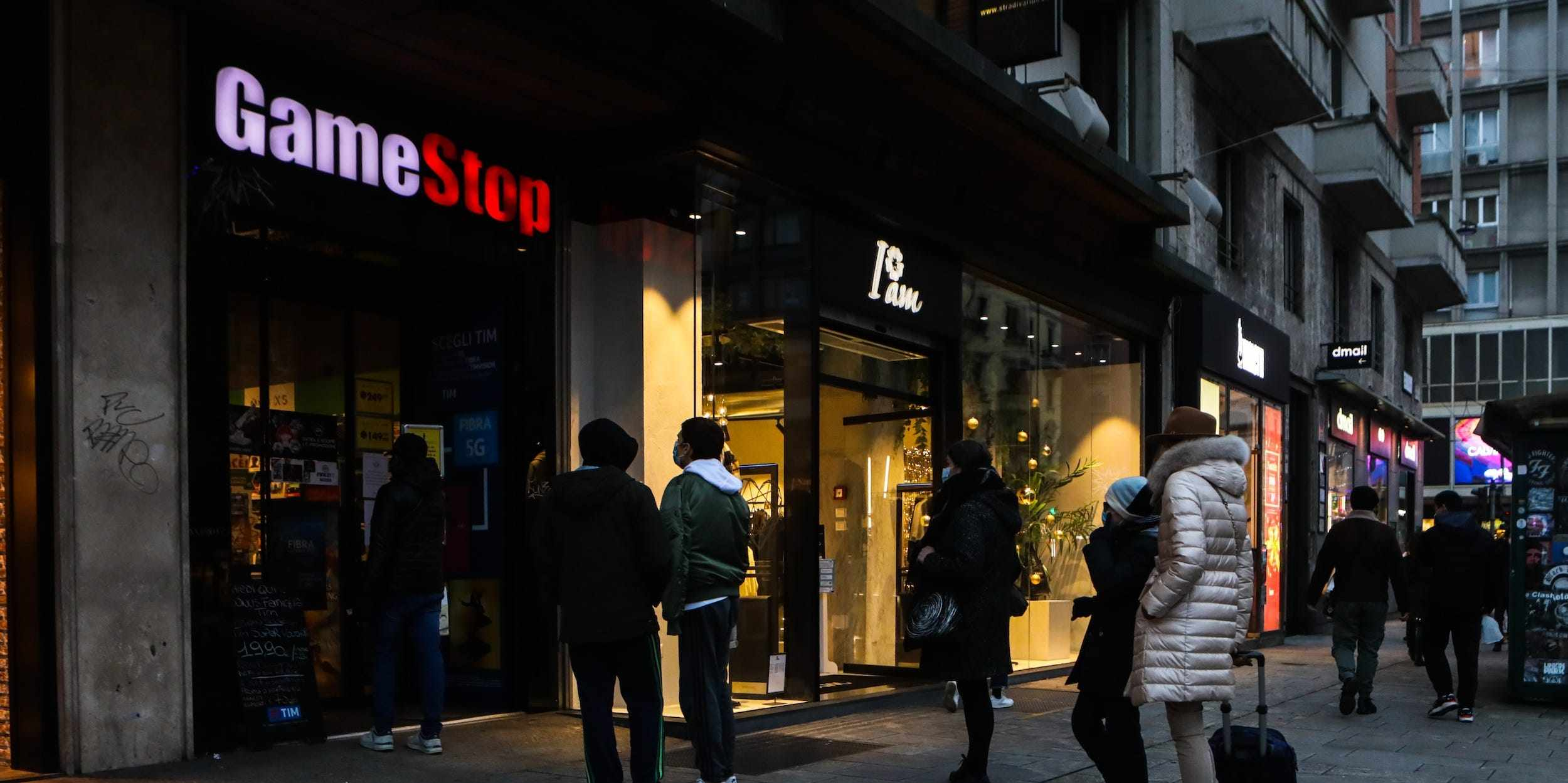 gamestop short squeeze charges board