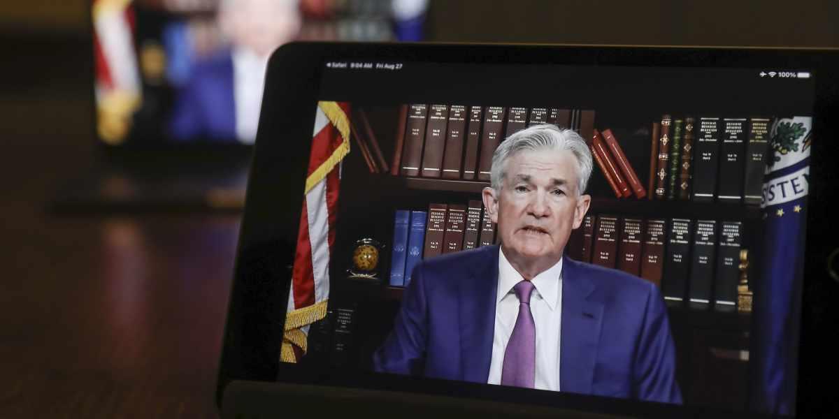 global, stocks, bitcoin, dips, investors,