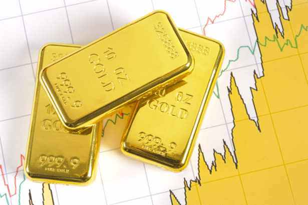 gold, palantir, technologies, hoards, physical,