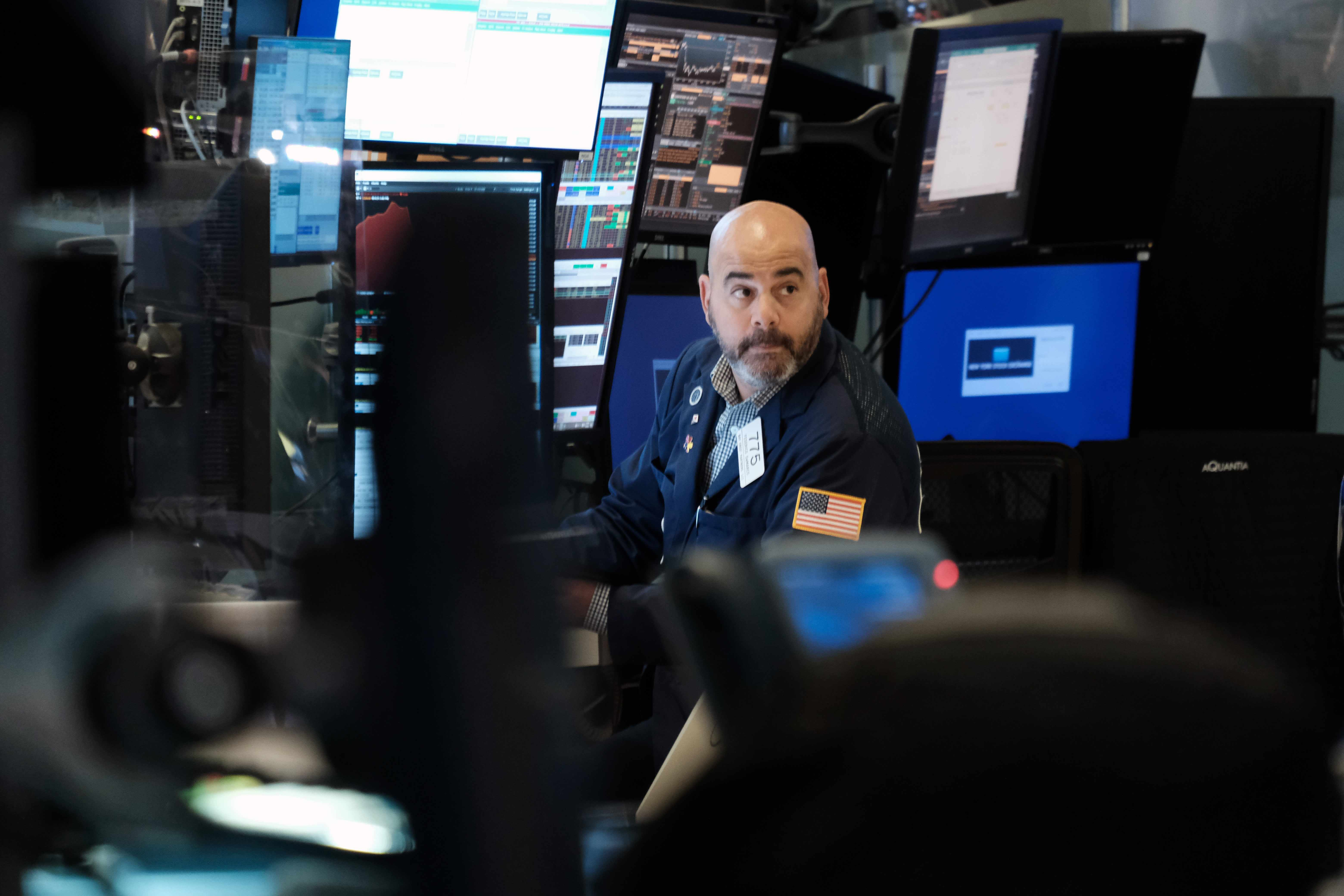 goldman, stagflation, combat, economic, according,