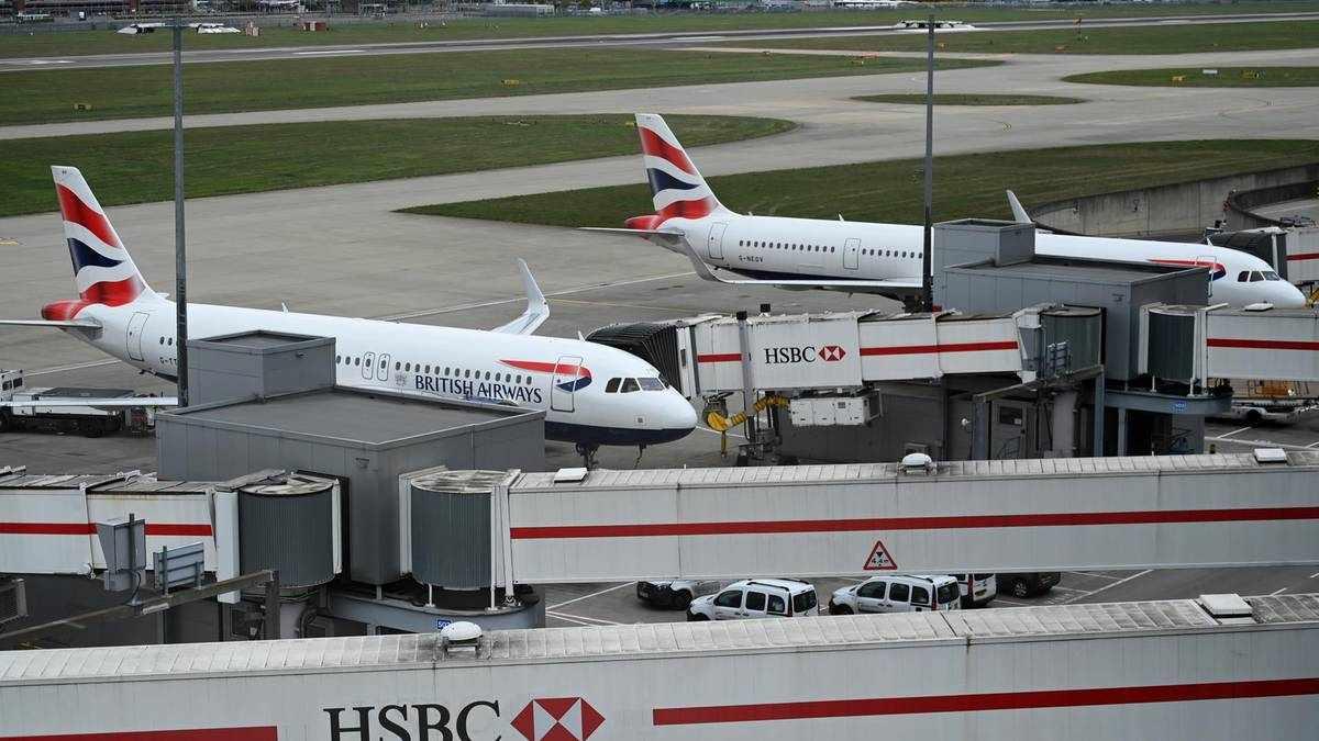 heathrow passenger plane fake covid