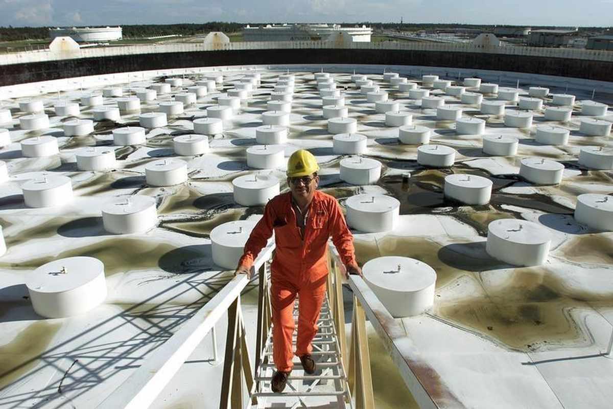 india dollar outlook oil covid