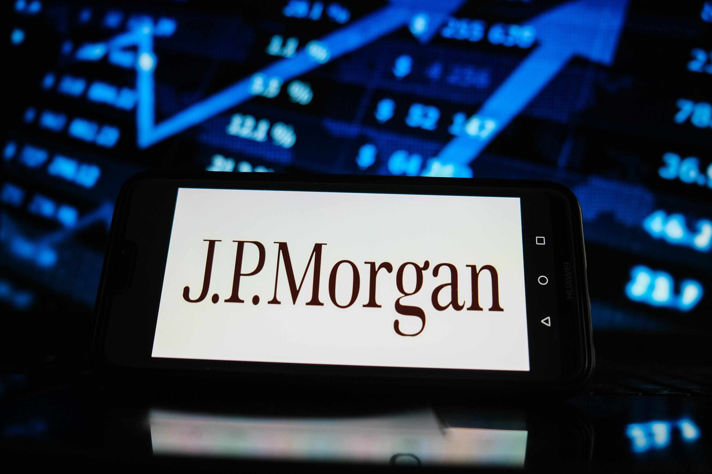 jpmorgan consensus stock banking revenues