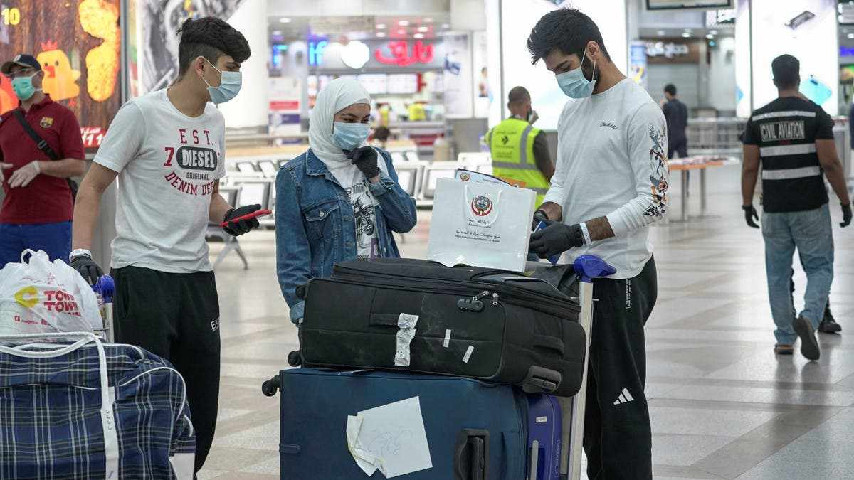 kuwait citizens unvaccinated abroad vaccinated