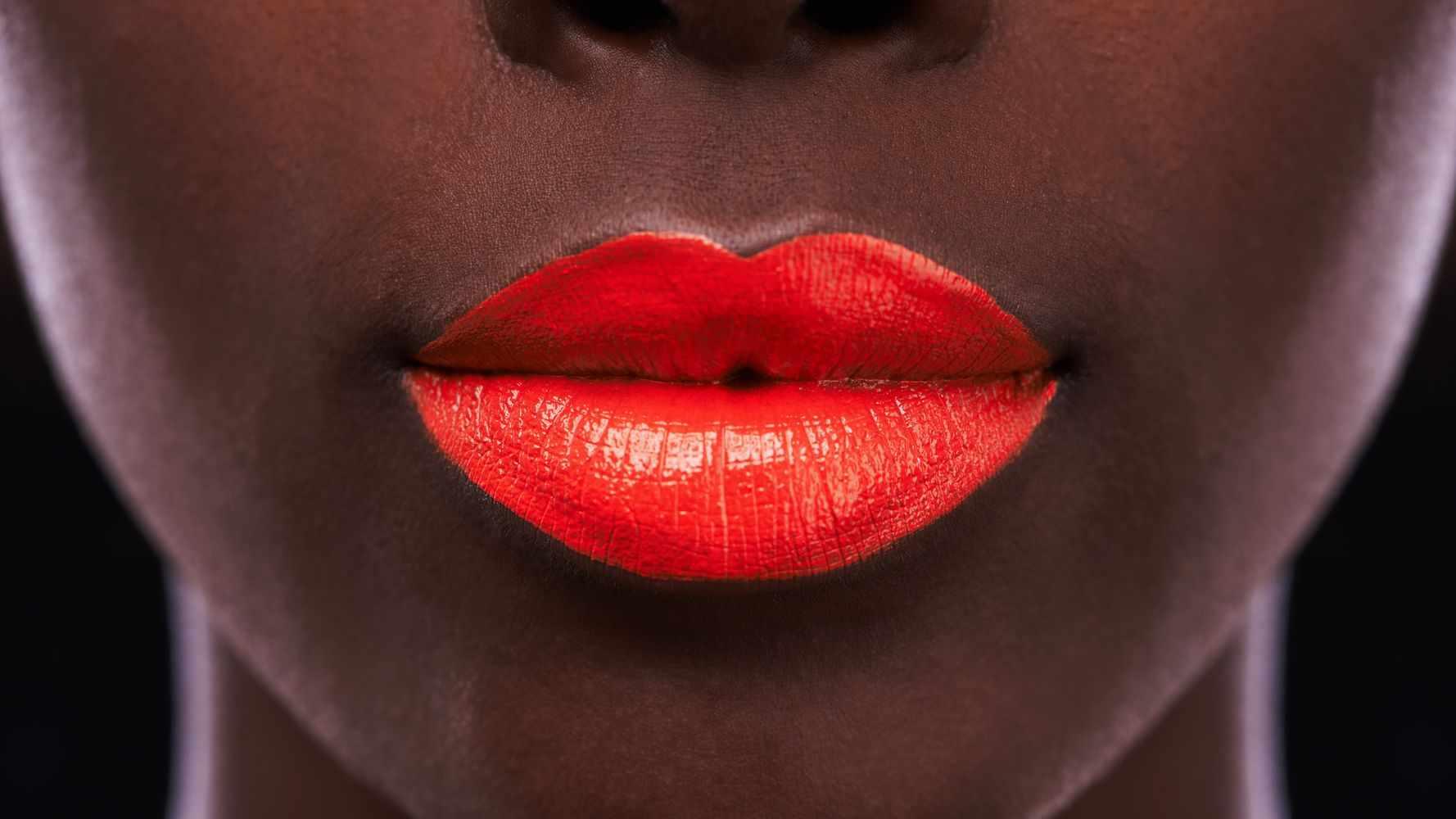 lipstick, experts, secrets, smudge, proof,