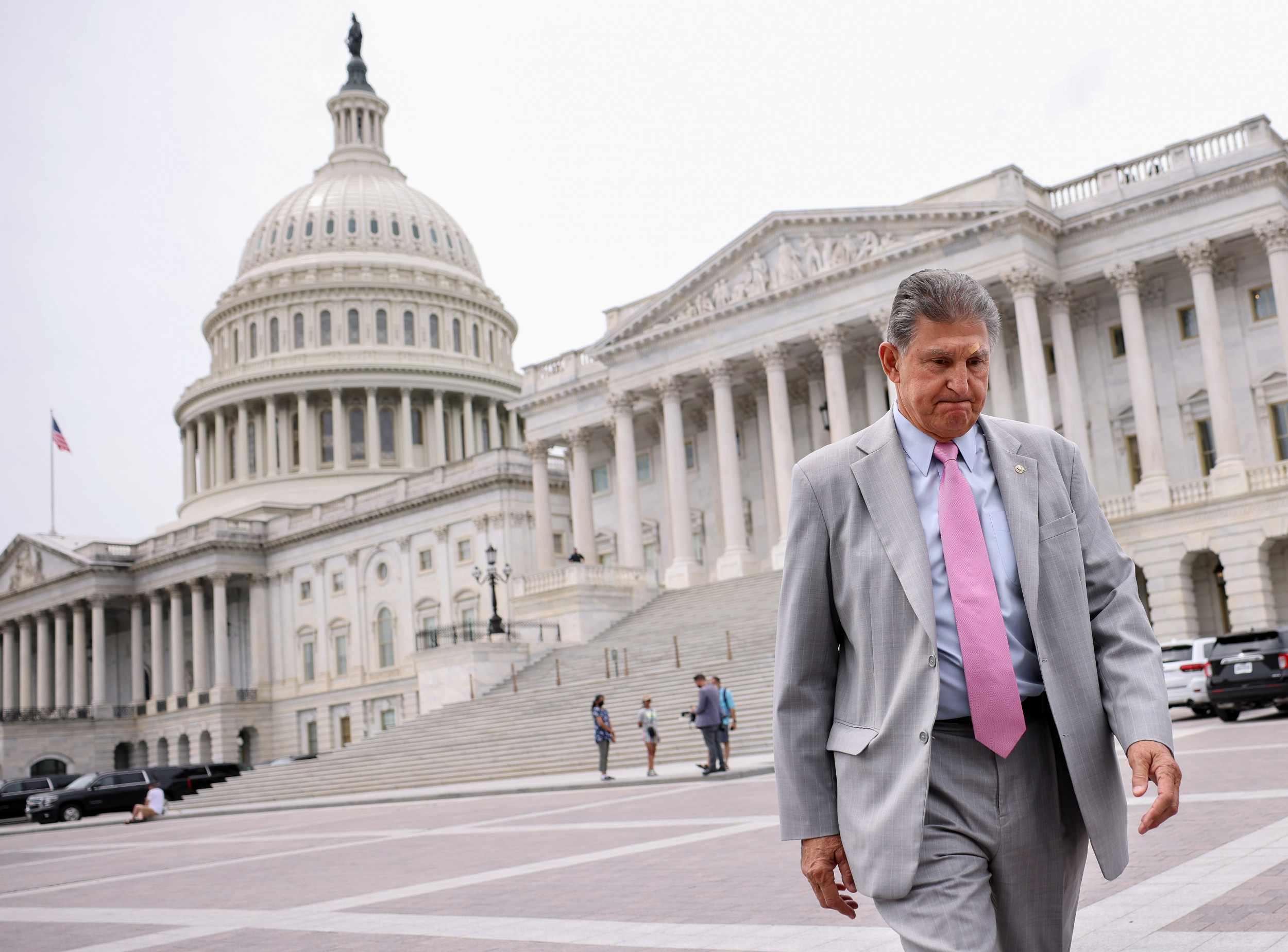 manchin, huddles, lobbyists, joe, accusation,