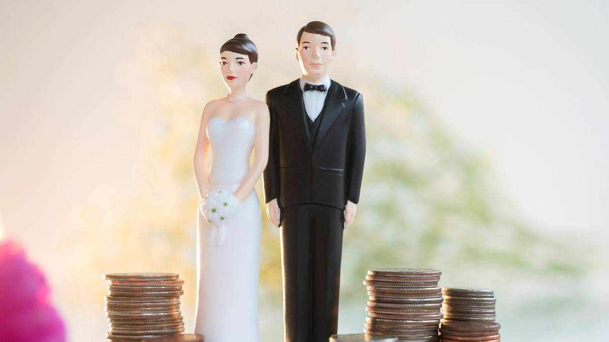 marriage money tips newlyweds financial