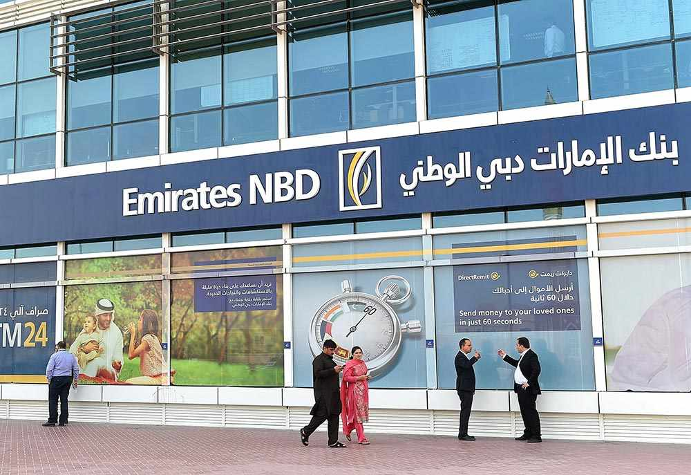 airline emirates cuts