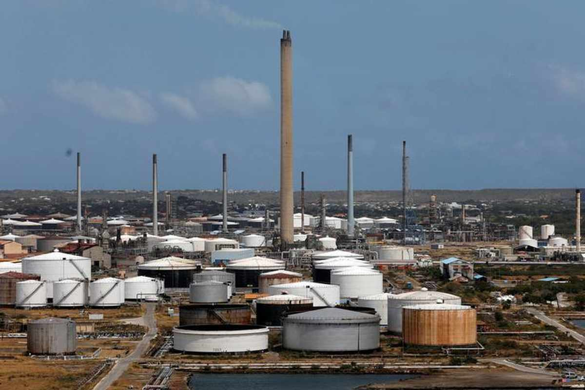 oil barrel brent inventory drawdowns