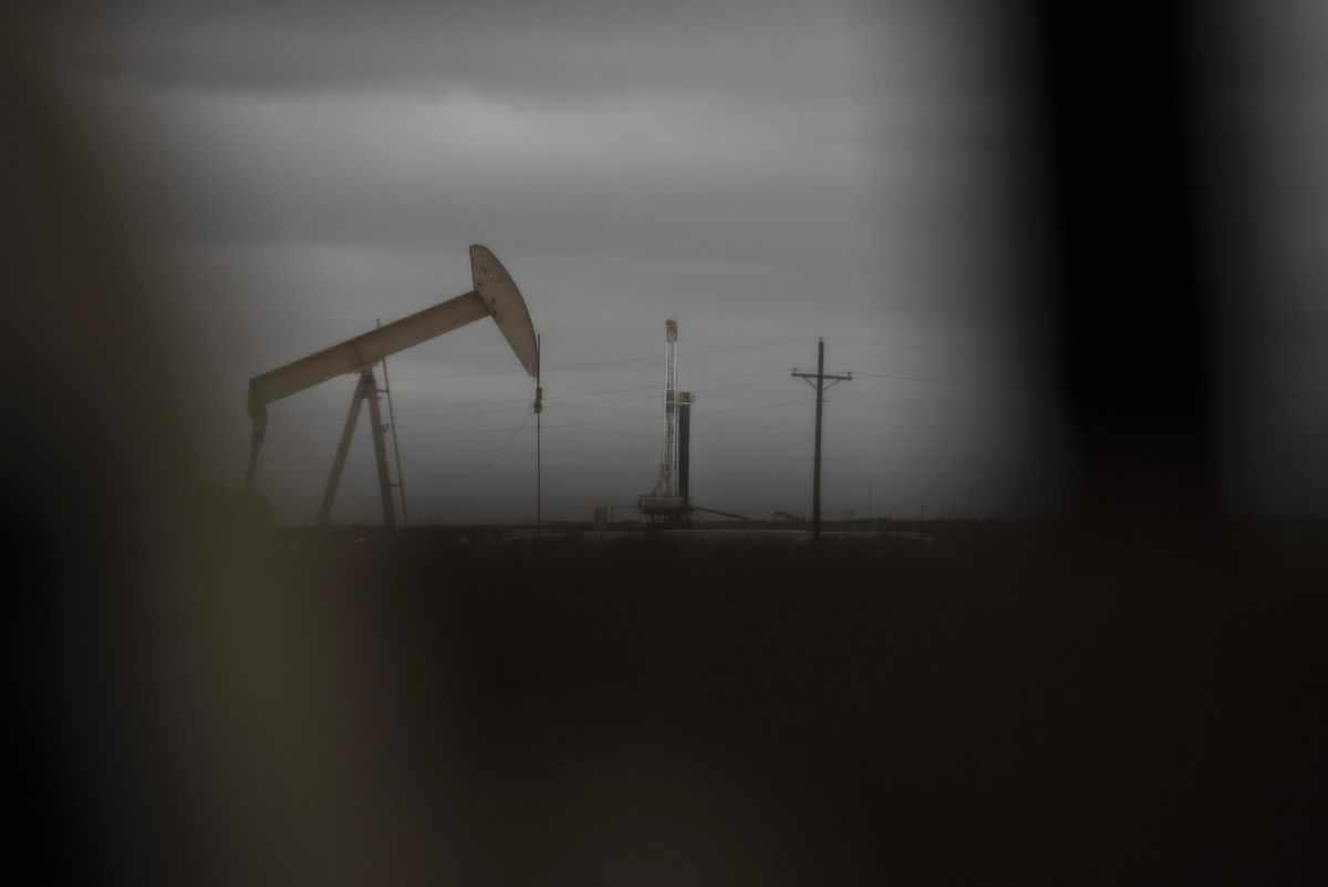 oil falls toward