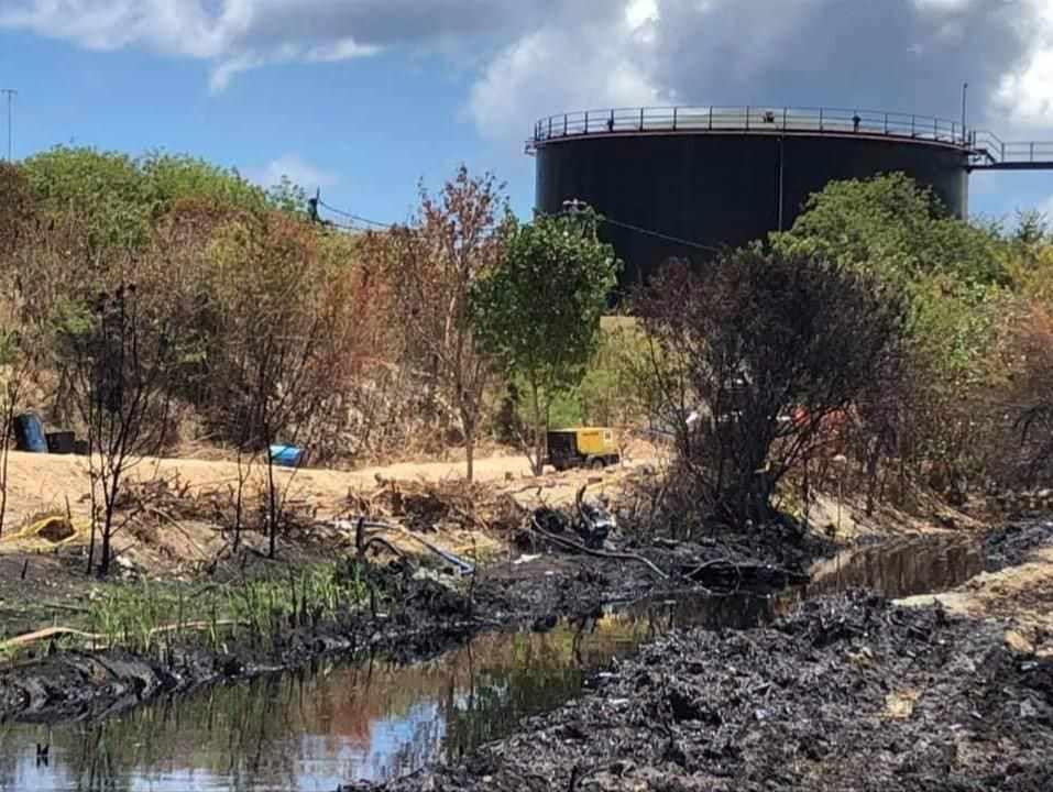 oil spill mauritius sunken japanese